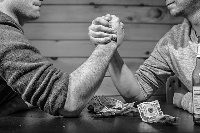 Controle financeiro: descubra quais são os inimigos da boa  gestão